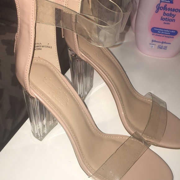 790bbc48a99 clear/ nude Block heels